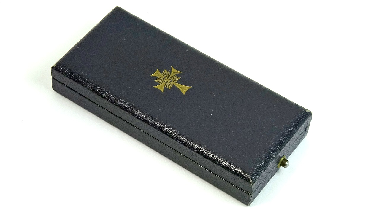 Wittmann Militaria #38570C Cased Gold Mother's Cross Mother